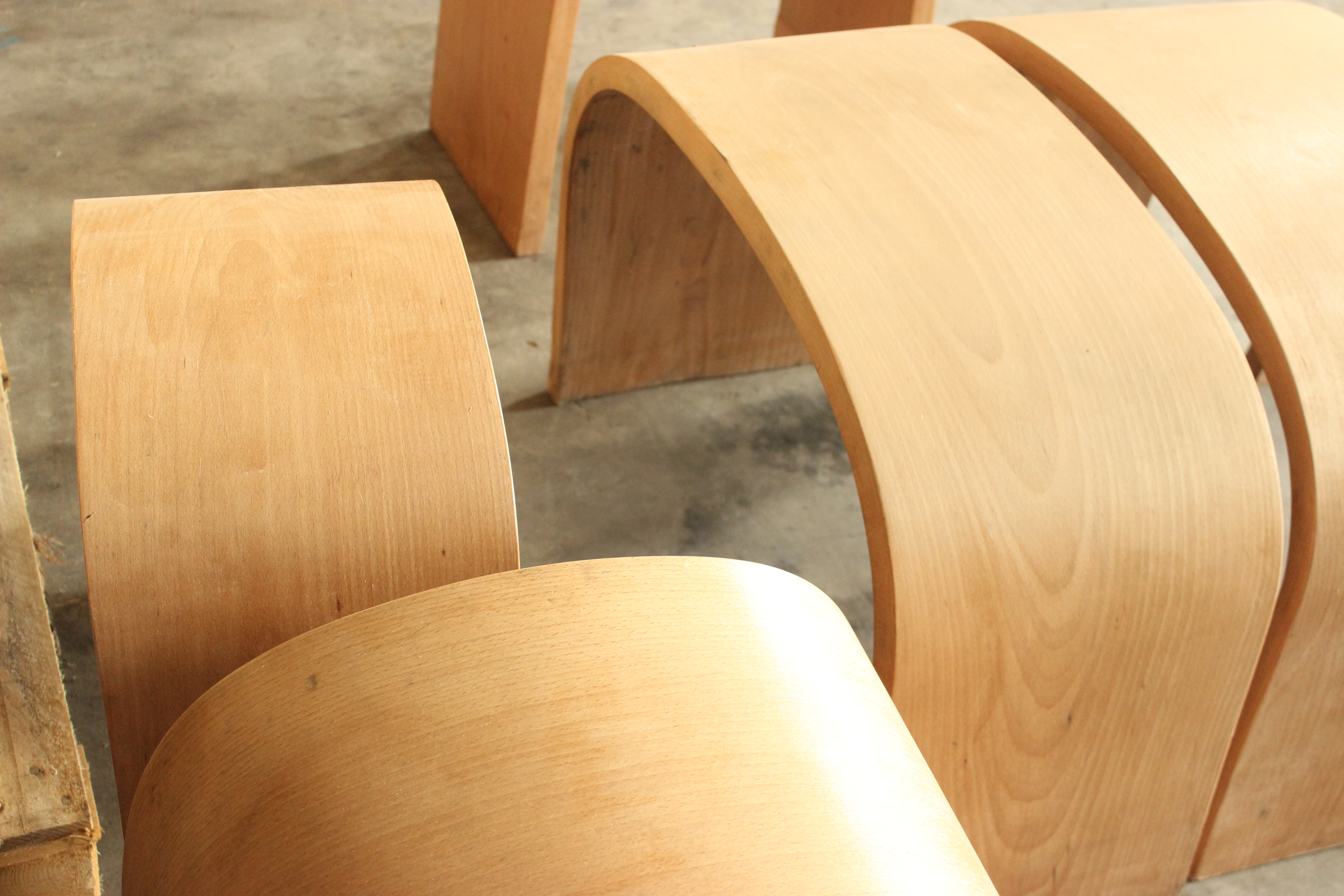 Solid wood bending  made by Curvetta company ltd. Chair and Table Solid wood bent made by Curvetta LTD